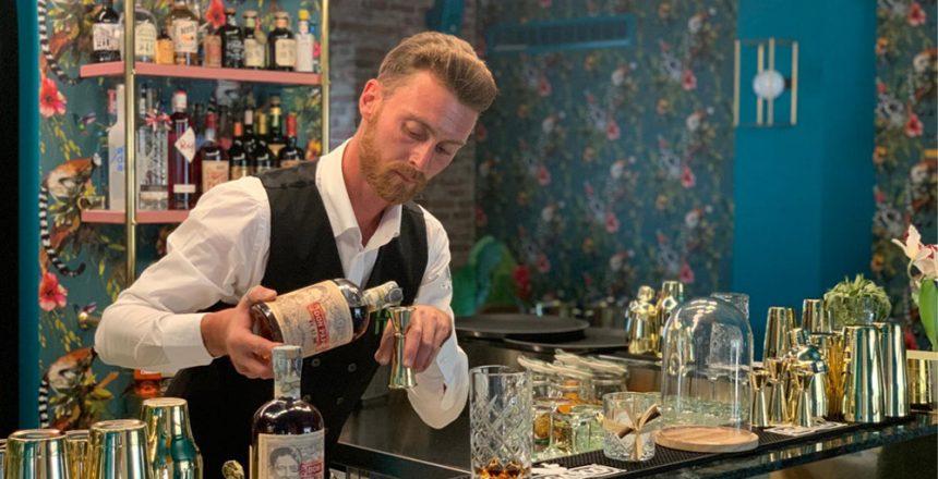 Emiliano Magurno, bar manager del Samanta 111 a Scalea (Cosenza)